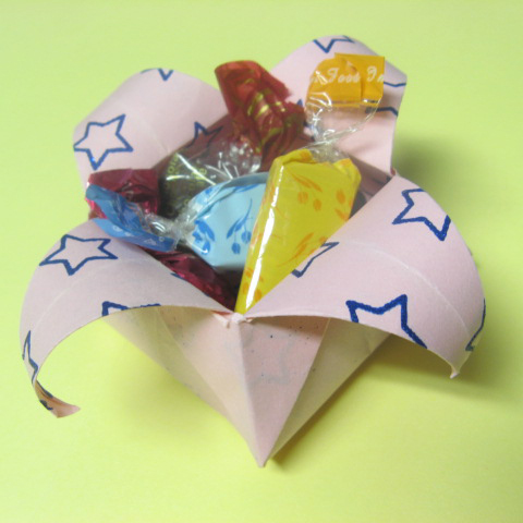 how to origami box - candy box